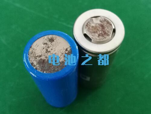 Pin nước 32700 không thể bị rỉ và không thể sử dụng